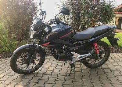 Honda CB 125F_01