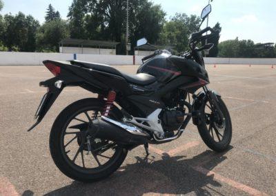Honda CB 125F_04