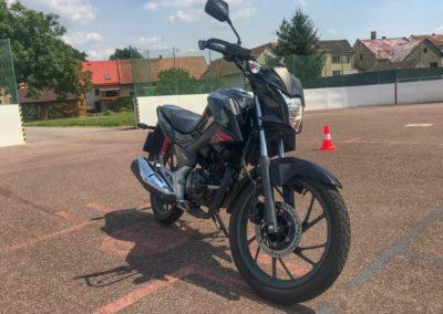 Honda CB 125F_07