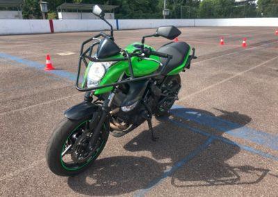 Kawasaki ER-6_01